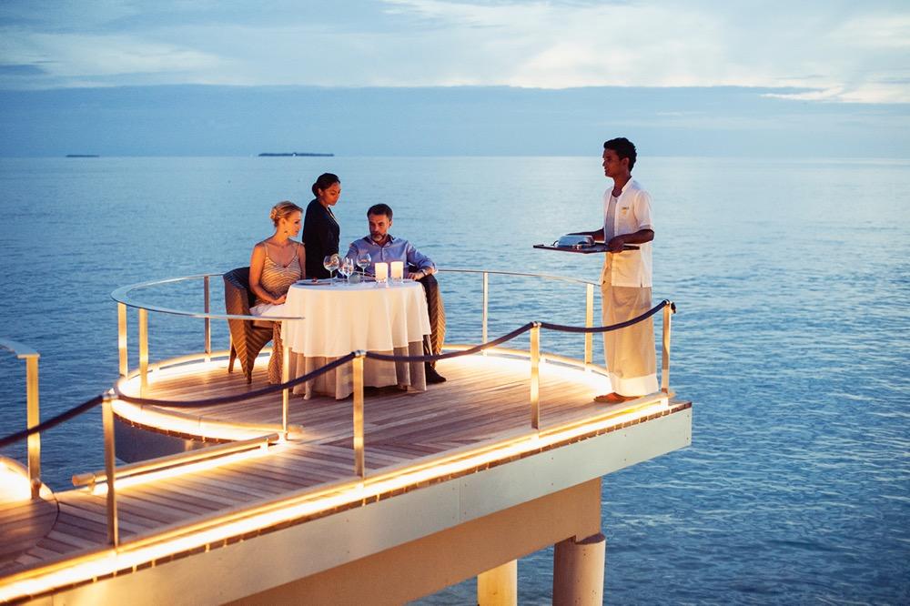 84 - Aragu Restaurant & Cru Lounge - Outdoor Sitting Area