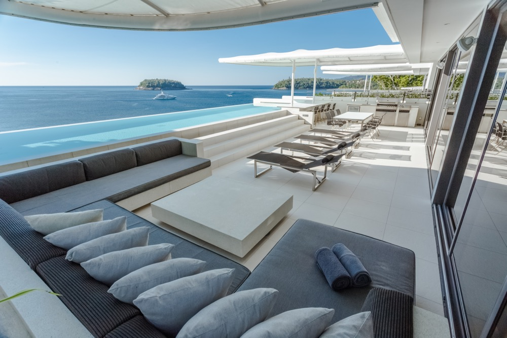 IMG_2506_skyvillapenthouse_day_outdoor_terrace_oceanview