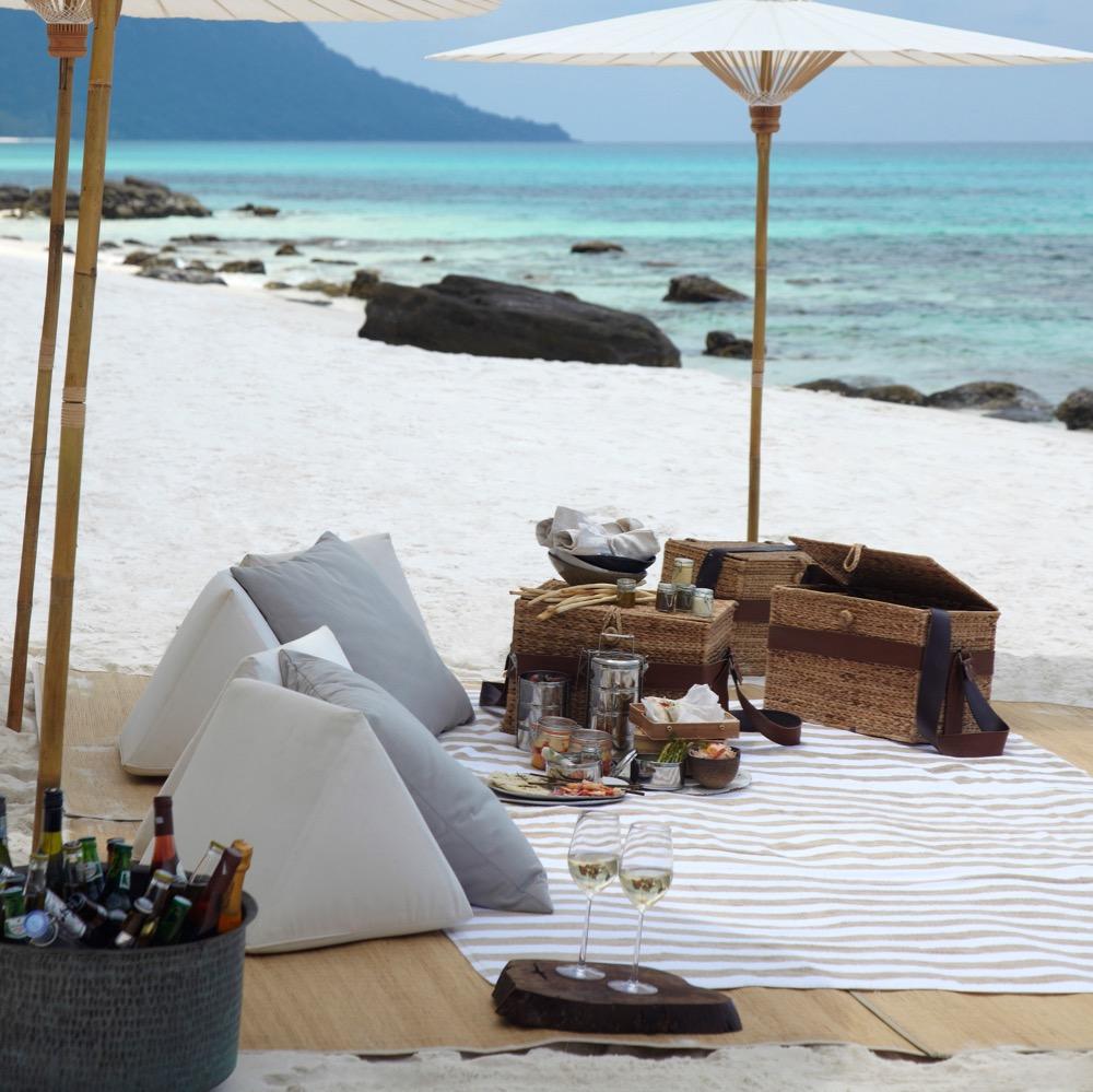 song-saa-picnic-at-neighbouring-koh-rong-island_9345-1