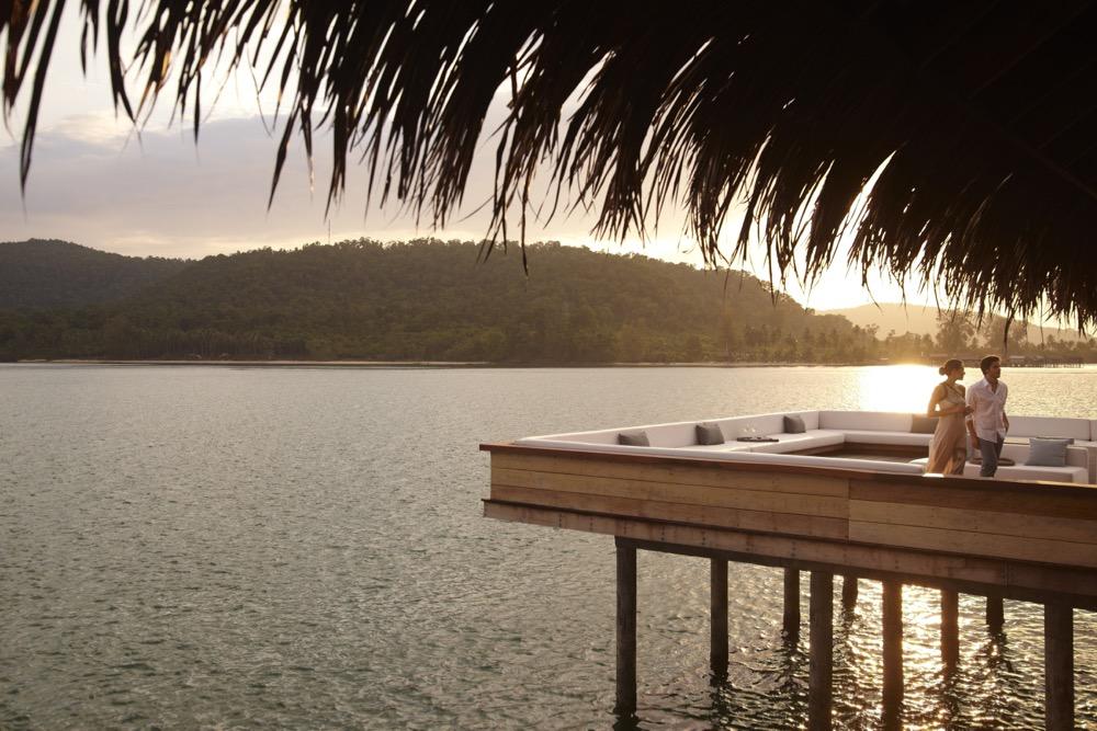 vista-bar-outdoors-at-sunset_1678