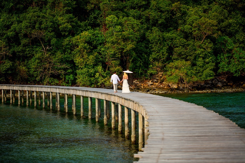 Christian and Sarah's Wedding at Song Saa Private Island Resort. Justin Mott/Mott Visuals Weddings www.mottvisualsweddings.com