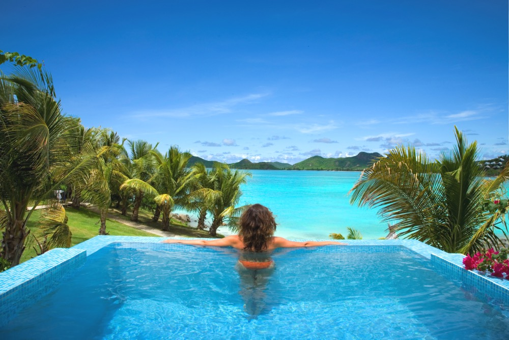 Cocobay Amazing View - Premium Waterfront Suite